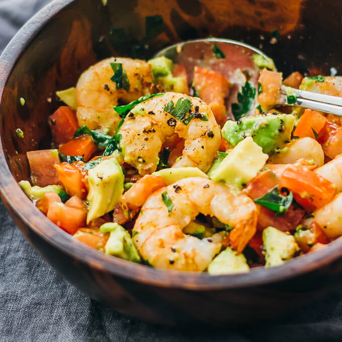 EASY SHRIMP AVOCADO SALAD WITH TOMATOES AND FETA